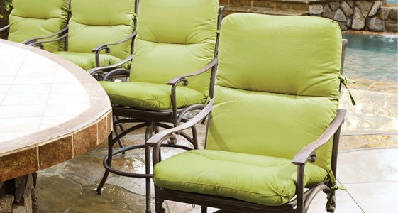 outdoor cushions to refresh your outdoor decor with fun new color