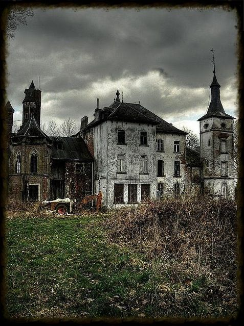 A Beautiful Old Abandoned Mansion Abandoned Buildings