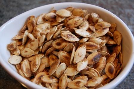 Toasted pumpkin seeds | food | Pinterest