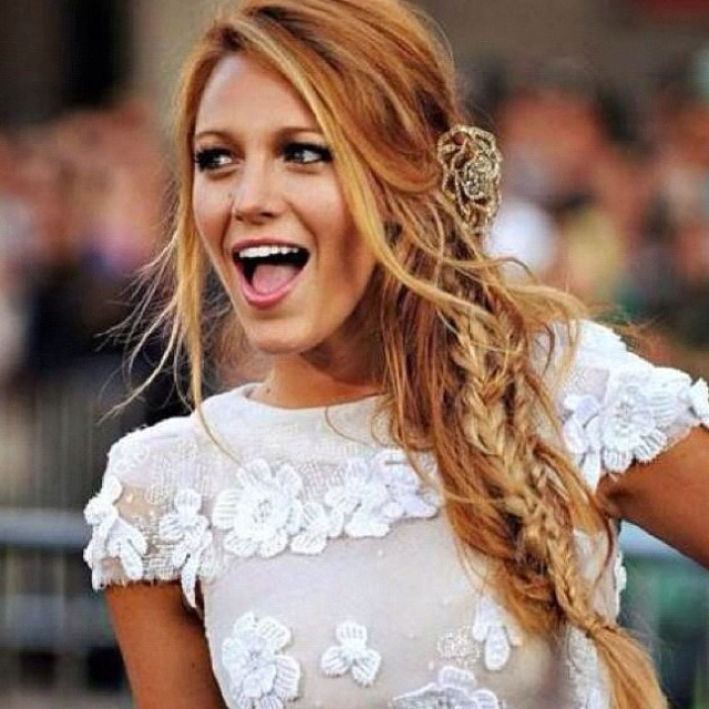 Blake lively is so bea...
