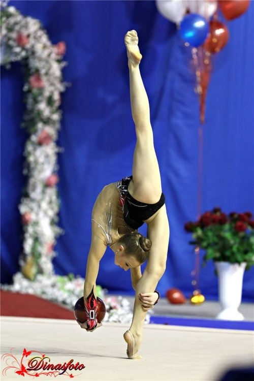 This isn't ballet, it's a sport in the Olympics that is just beautiful to watch.