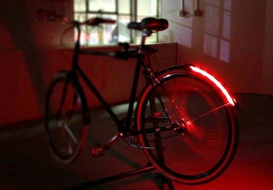 Bike light integrate d into fender