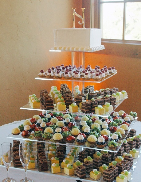 Scanway Wedding Cakes