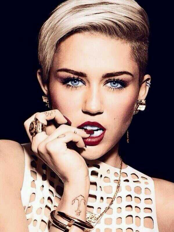 Miley Cyrus~gotta give it to her for being herself! #different #break-out