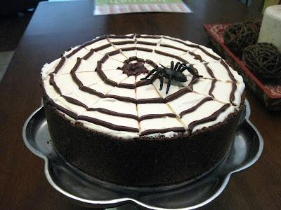 No Bake Spiderweb Cheesecake | recipes i wanna try.. | Pinterest
