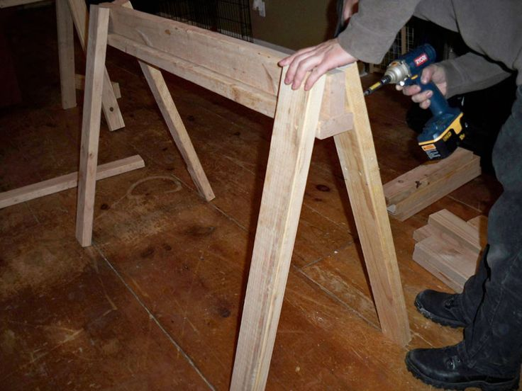 how to make a sawhorse diy projects pinterest. Black Bedroom Furniture Sets. Home Design Ideas