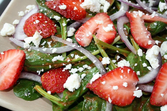 Strawberry Spinach Salad. I love this salad with some chicken and ...