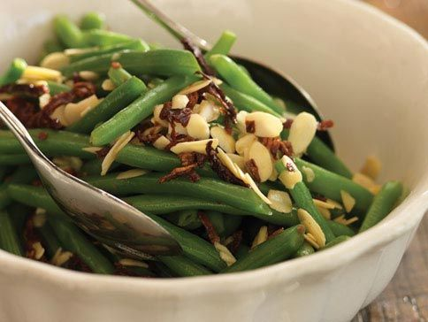 Green Beans With Sundried Tomatoes & Almonds( or pinenuts?)