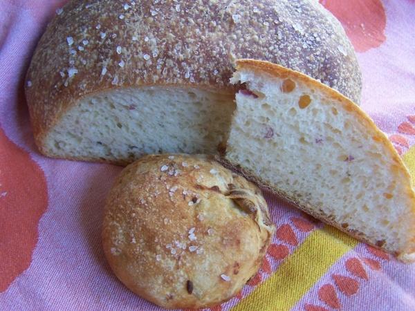 Potato Roasted Garlic Rosemary Bread