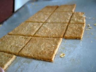 Oatmeal Crackers | Bread & Crackers | Pinterest