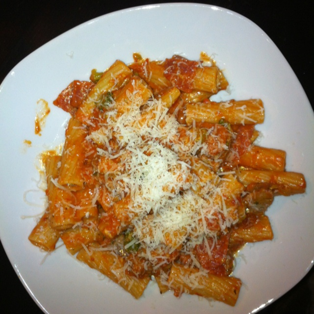 Rigatoni with vodka sauce ( chopped broccoli, pepperoni, and sausage)