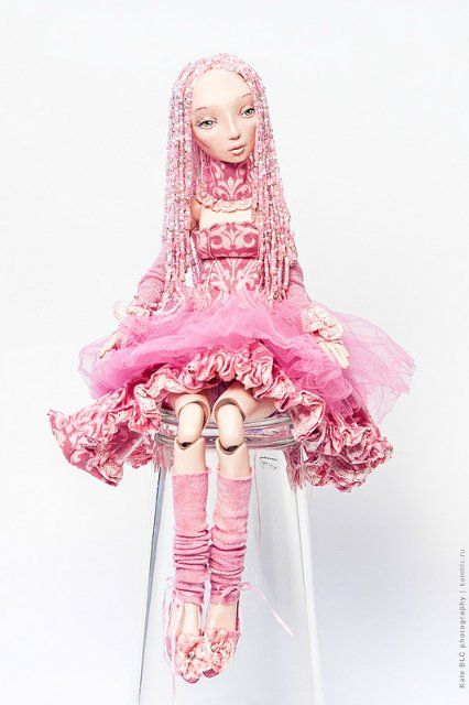 Шарнирная кукла из бисера