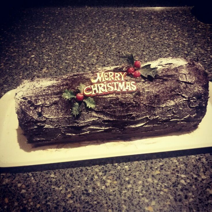 Christmas Chocolate Yule Log | Food glorious food | Pinterest