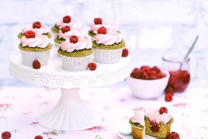 pistachio cupcakes with raspberries