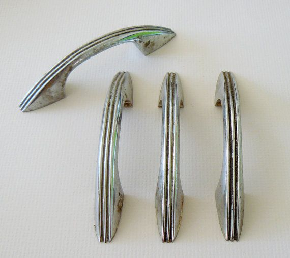 Retro chrome kitchen cabinet hardware 50s vintage style for Kitchen cabinets 50 style