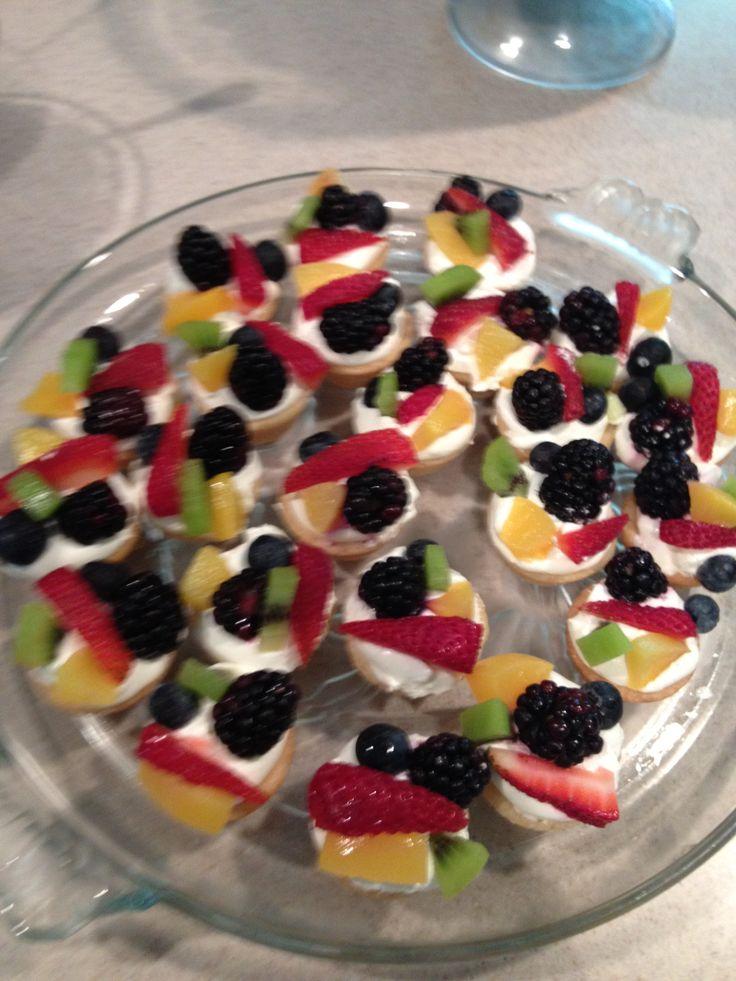 Mini fruit pizza | Fruit | Pinterest