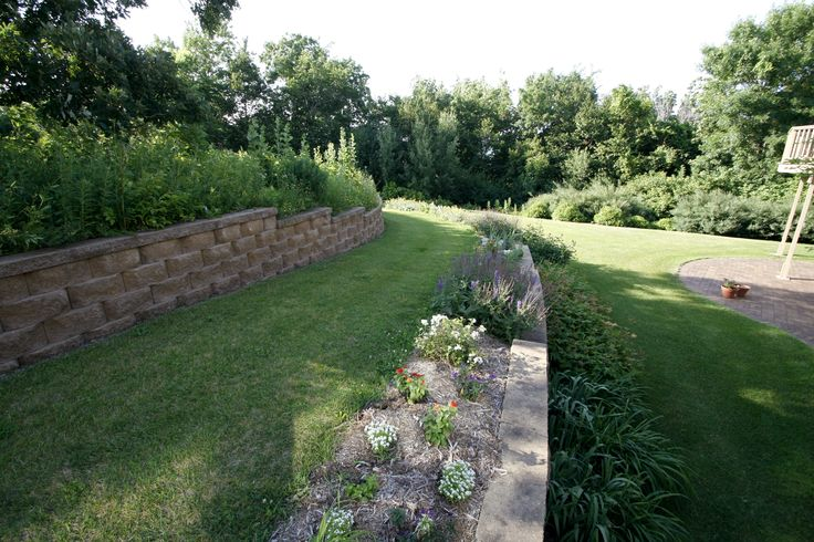 Hilly Back Yard Landscaping Ideas