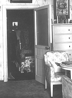 Bedroom s' Tsarina Alexandra. Alexander Palace. dressing room