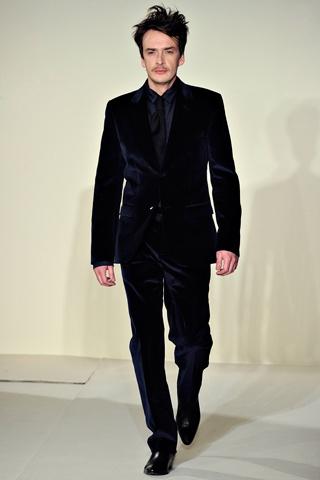 Agnes B. Love a nice velvet suit. Yum.