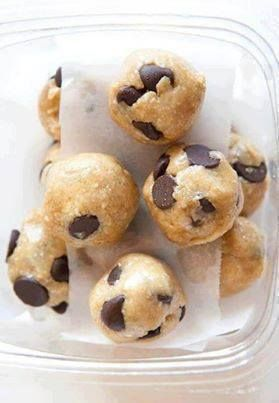 the kids help make these cookies! 4 Ingredient Chocolate Chip Cookies ...