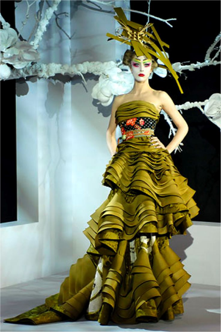 John galliano haute couture john galliano christian dior for Own the couture