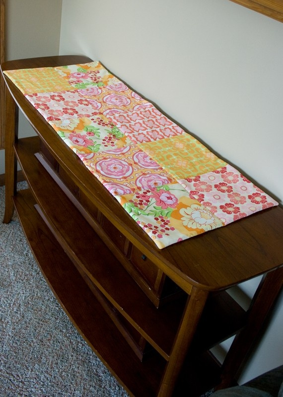 Pinterest Quilting Table Runners : Cheery table runner. Sewing Quilting Pinterest