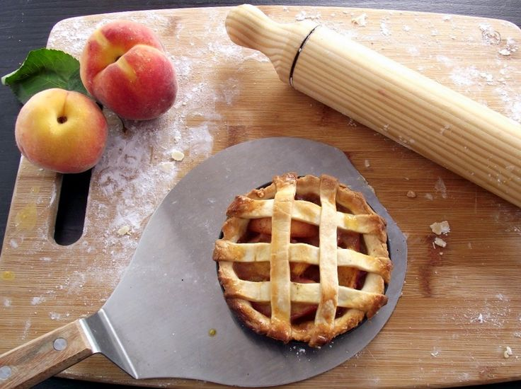 Mini Peach Pies | Sweets, Spice & Everything Nice: Pie and Cheesecake ...