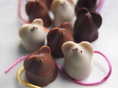Chocolate mice | Edible Art | Pinterest