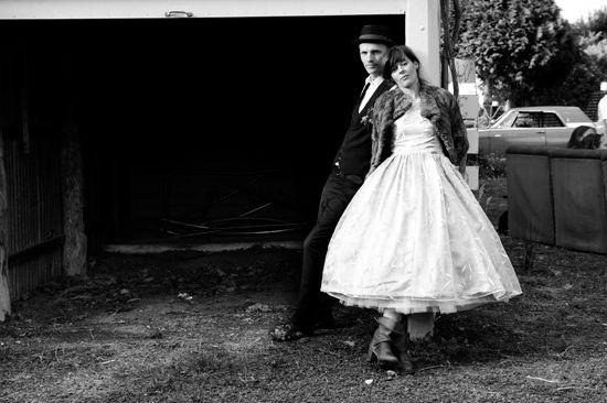 Suburban Backyard Wedding : Dyani and Rory?s Rustic Vintage Wedding