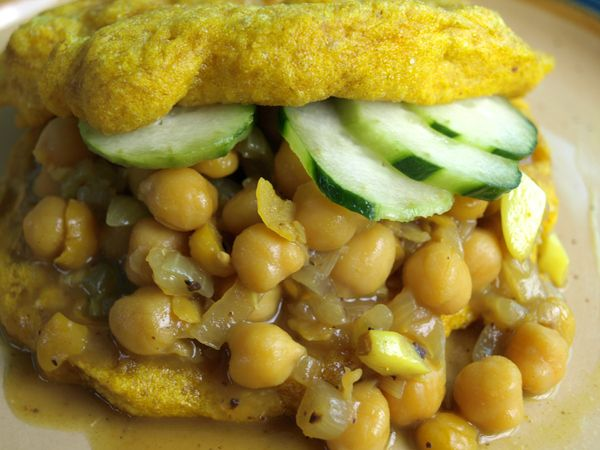 ... bread and filled with curried chick peas. You can add mango, cucumber