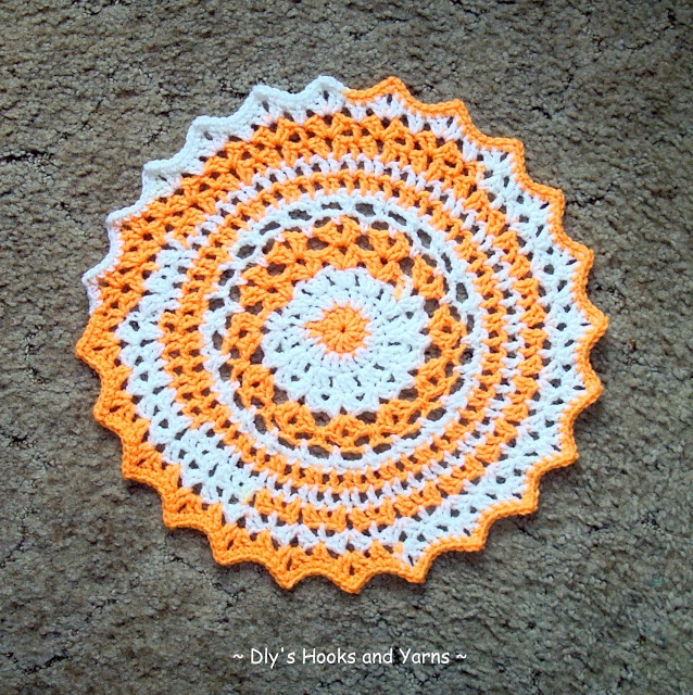 Crochet Stitches Using Bulky Yarn : placemat, free pattern by Debi Y of Hooks and Yarns. With bulky yarn ...