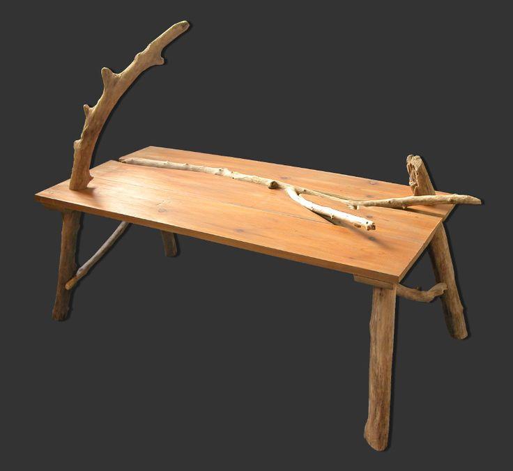 Table basse en planches de récupération et bois flotté par Benoit ...