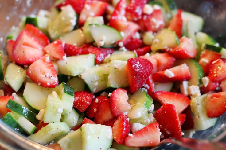 Cucumber strawberry and feta salad | Food/Cocktails | Pinterest
