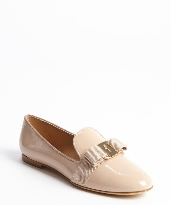 Salvatore Ferragamo : bisque patent leather gold charm bow 'Scotty' flats : style # 329596401