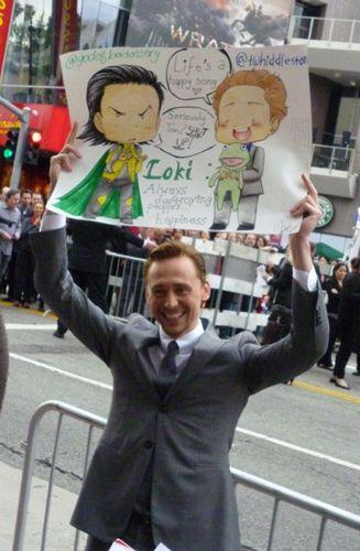 The Avengers LA Premiere - tom-hiddleston Photo This makes me smile. :)