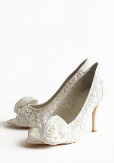 lace bridal shoes