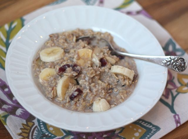 Barefeet In The Kitchen: Cranberry Almond Oatmeal - In the Crockpot