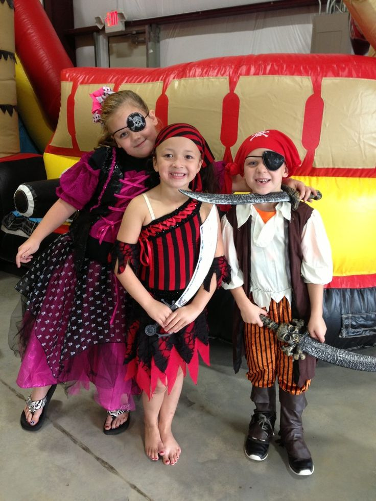 A ton of great PIRATE Party ideas!