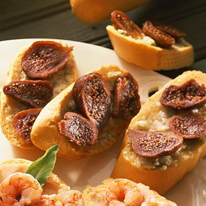 Crostini with honey, gorgonzola and figs from Cooking Light!