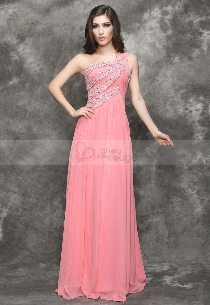 Lace dinner gowns to impress
