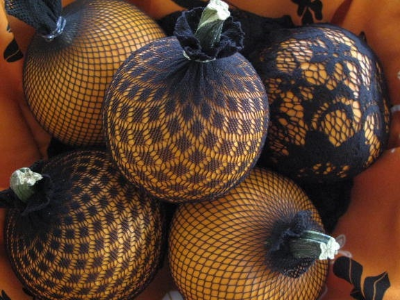 Pumpkins placed in old nylons take on  a whole new look! Awesome idea :) wedding-ideas