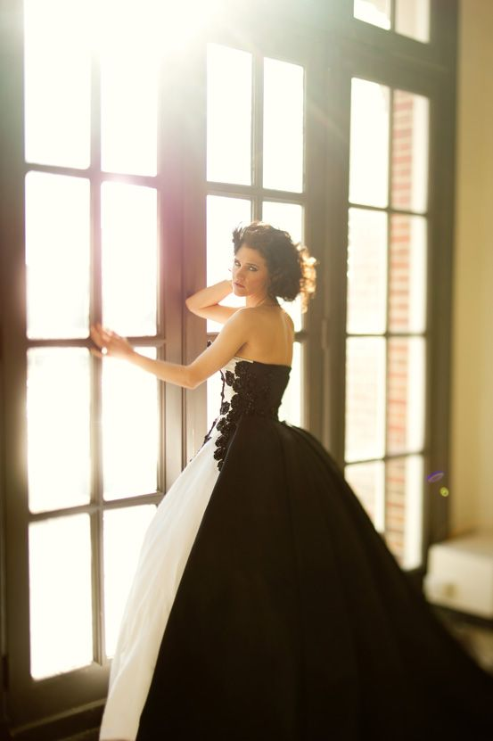 Queen of Hearts black and white dress #weddingdress #valentinesday #blackandwhite #romantic #dramatic #prettypicture