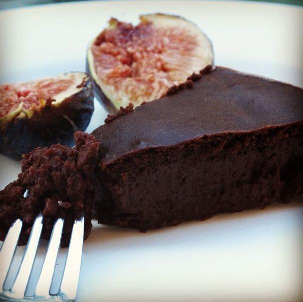 Vegan Flourless Chocolate Cake | Yummy | Pinterest