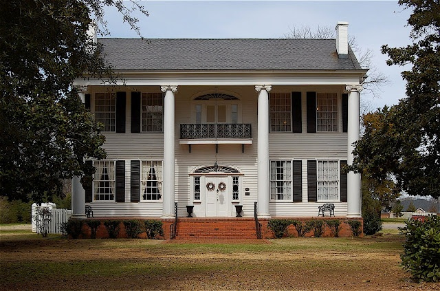 Buena Vista Mansion in Prattville, AL built 1844.