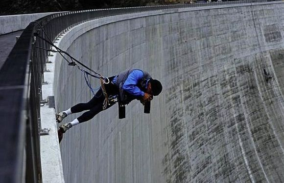 omg... now that's extreme photography!