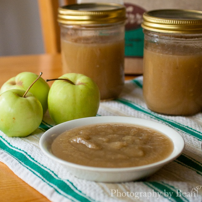 Homemade applesauce- good tips on how to make around 12 jars and store ...