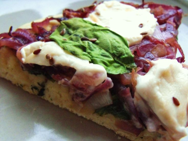 Caramelized Red Onion and Spinach Pizza. | {Eat This} | Pinterest