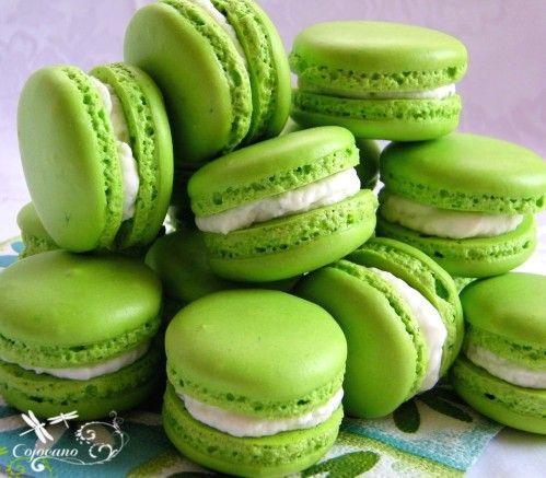 macarons verts | Beautiful Food: Sweet | Pinterest
