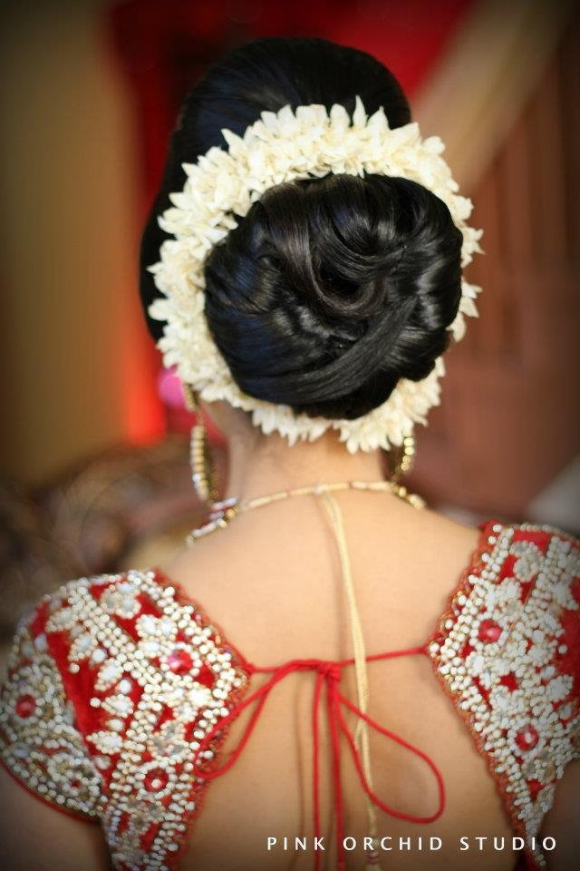 Wedding Hairstyles For Short Hair South Indian : Indian Bridal Hair/Makeup more inspiration @ http://www.ModernRani.com