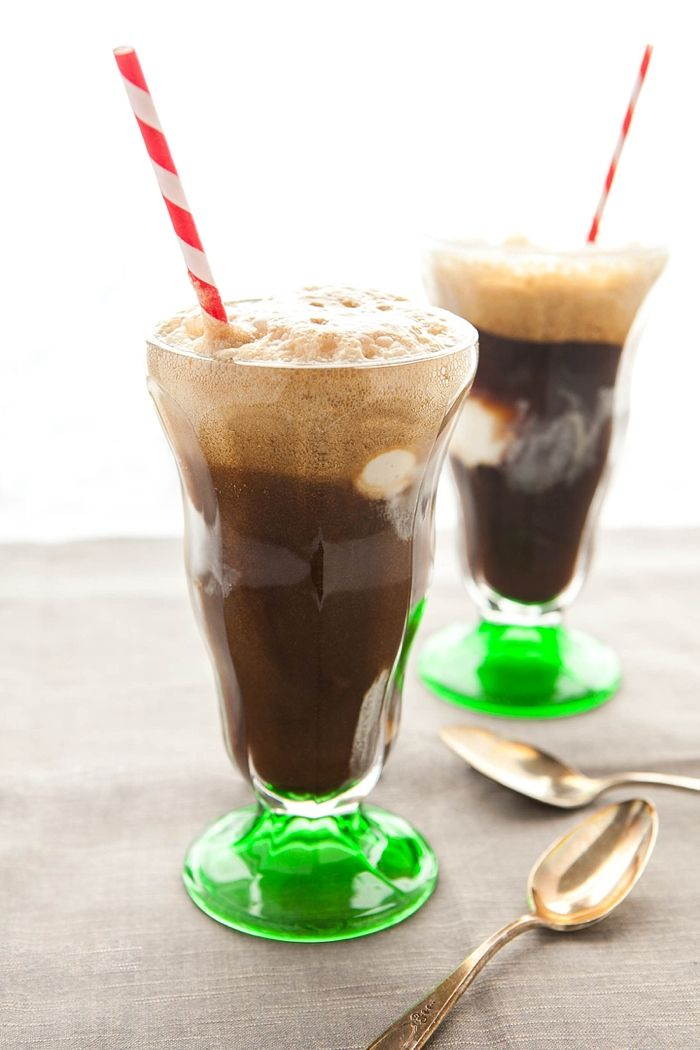 Chocolate Stout Floats | Boozy Creamy Cocktails & Shakes | Pinterest